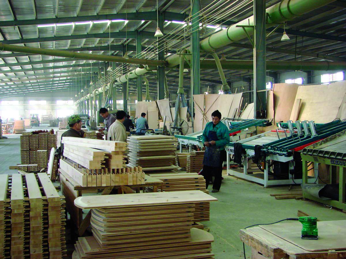 浙江东阳市花园木材市场商户:也没多少,不好卖.
