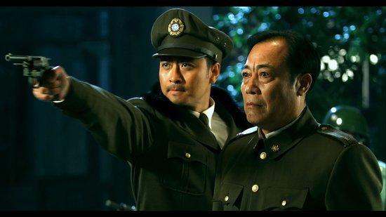 而他似乎也没愧对这个称号,接连在《风声传奇》中扮演南京站站长