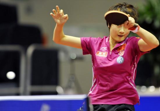 (体育)(2)乒乓球――世界杯团体赛:中国女队晋级半决赛-图文