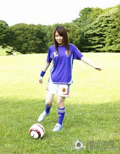 组图:日本性感足球宝贝