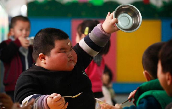 高清:4岁120斤 可爱小胖的幸福生活