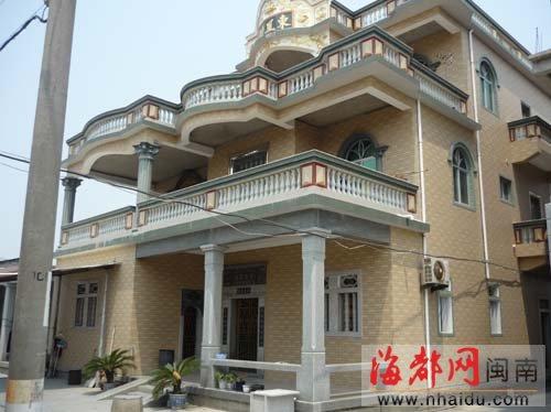 女孩 祥芝镇/在石狮祥芝镇赤湖村,肇事司机蔡某曾住在这栋两层半的新楼里