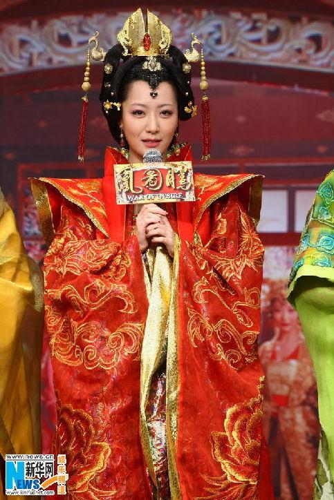 其服装风格和发型头饰都把唐朝女性的妩媚表现的淋漓 高清图片