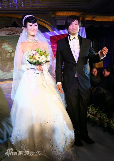 叶世荣 北京/组图:Beyond鼓手叶世荣大婚迎娶年轻女友 / 港台/