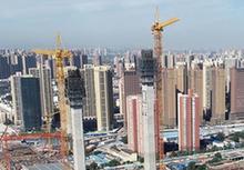 (经济)(3)郑州郑北大桥钢梁顶推成功