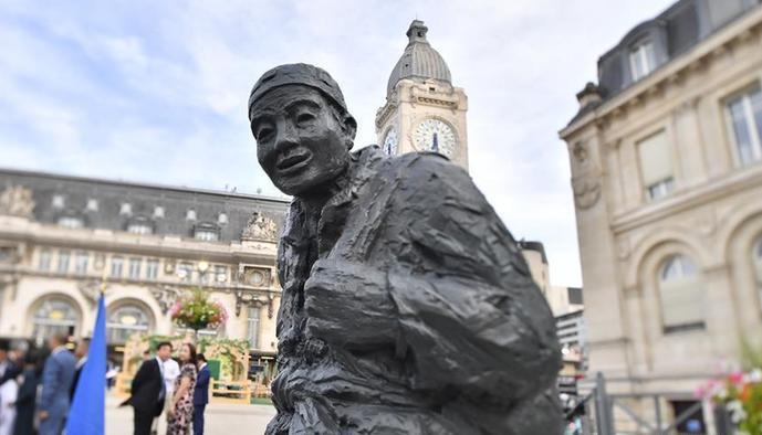 (国际)(2)一战华工雕像在巴黎里昂火车站落成