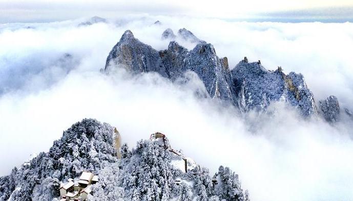 (美丽中国)(1)雪后华山 冬日画境