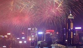 (XHDW)(2)香港举行贺岁烟花汇演